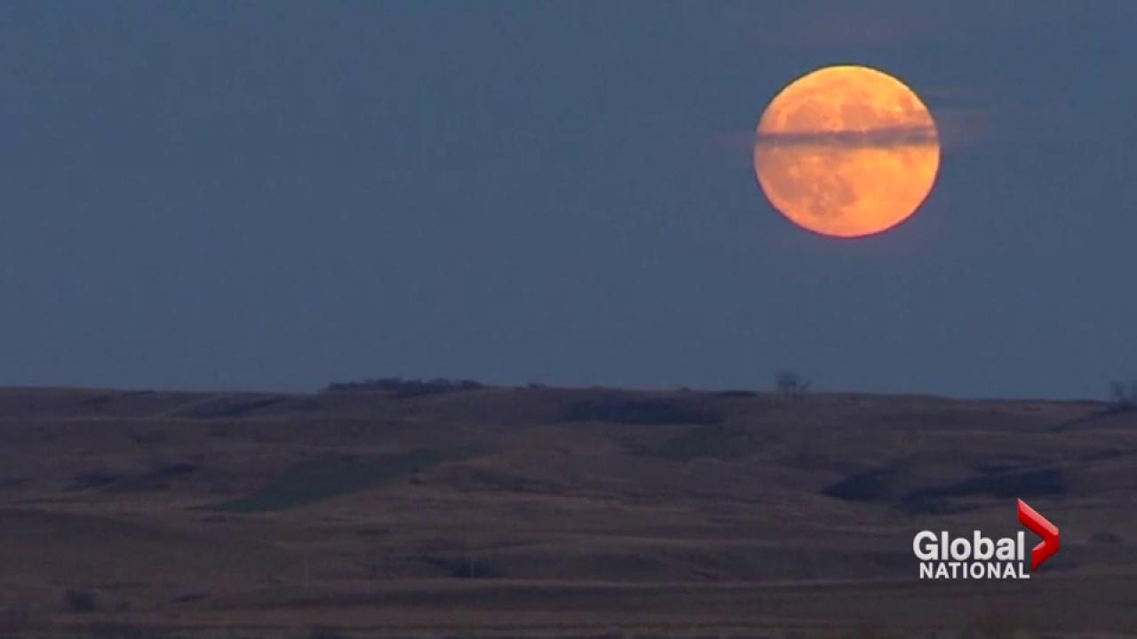 Incredible  period of special full moons begins New Year's Night