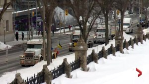 Pro-pipeline convoy arrives in Ottawa for day two of protests