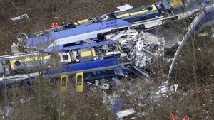 10 dead after two trains collide in Germany