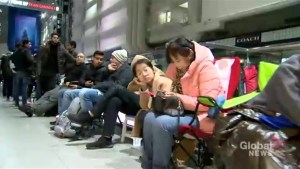 Long lineups at Eaton Centre as new iPhone released