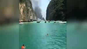Thai boat carrying tourists catches fire, injuring 16 people