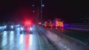 Multiple crashes block Highway 3 bridge deck in Lethbridge