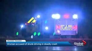 Mother-of-three dies in Highway 404 crash (01:30)