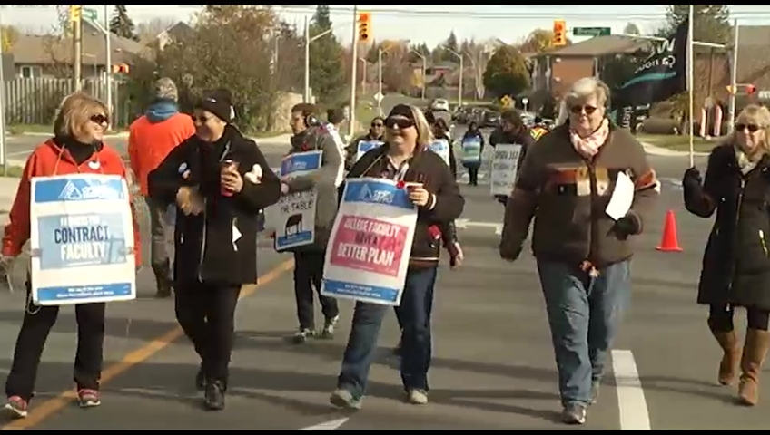 Ontario college faculty stage mass picket at Humber College