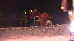 Isle-Verte man rescued from ice-fishing shack in inflatable canoe