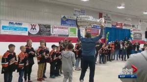 St. Louis Blues coach brings Stanley Cup to small Alberta community
