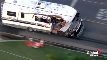 Wild chase of reportedly stolen RV ends with injuries in Los Angeles