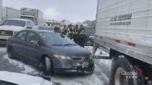 At least 20 vehicles involved in crash on westbound Hwy. 401 in Milton