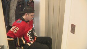 Ryan Straschnitzki returns home for 1st time since Humboldt Broncos crash