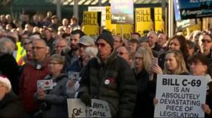 Ottawa spending $1.6 billion to help struggling oil sector