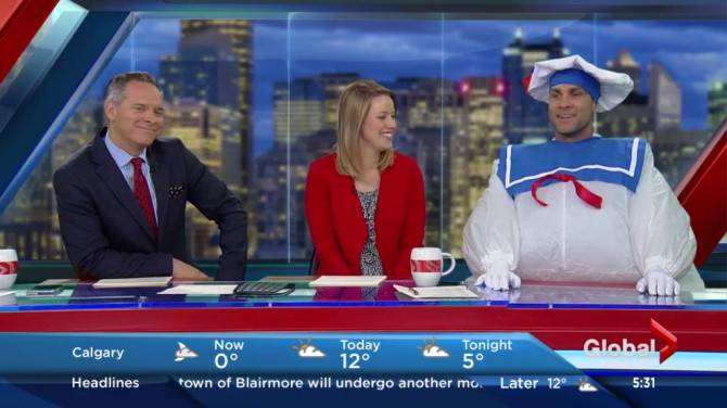 watch global news meteorologist shows off hilarious halloween costume - Meteorologist Halloween Costume