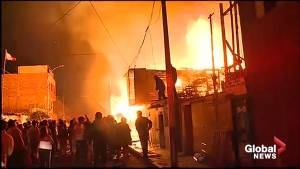 Massive fire destroys over 200 houses in Lima, Peru