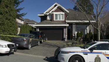 Homicide investigators take over Surrey crash that killed 3