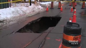 Sinkhole shuts down street in Toronto's King and Church area