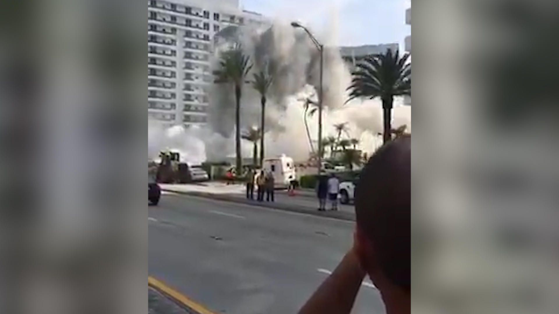 At least 1 injured in Miami Beach building collapse