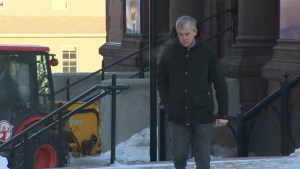 Defence continues rigorous cross examination of forensics officer at Dennis Oland murder trial