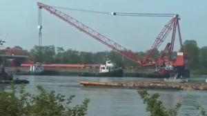 Capsized tugboat to be pulled from the Fraser River