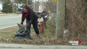 Kahnawake residents clean neighbourhood