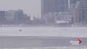Two people make daring cross across Toronto's frozen harbour