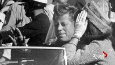 Jim Leavelle, Dallas cop cuffed to Lee Harvey Oswald at his