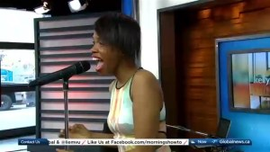 KellyLee Evans performs 'Come On'