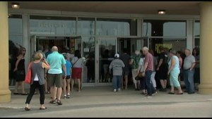Shoppers disappointed by Sears' sale