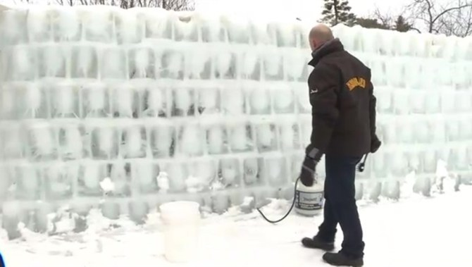 Brossard man builds man cave out of ice