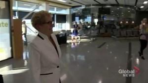 EXCLUSIVE: Premier Kathleen Wynne arrives in Sudbury to testify in bribery trial