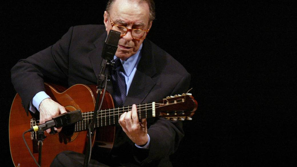 Click to play video 'Joao Gilberto dead at 88'