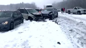 Dozens of cars involved in two separate pileups on Highways 640 and 40 in Quebec