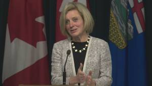 Premier Notley talks about difference between Alberta's oil price projections and Ottawa's