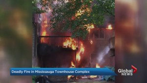 3-alarm fire rips through Mississauga townhouse