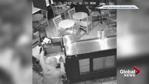 Calgary bakery posts robbery video to Facebook (00:52)