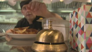 Former Stella's employees ask popular Winnipeg chain for apology