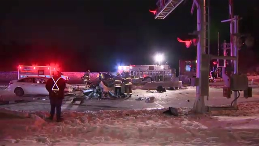 Paramedics: 1seriously injured after dump truck, van collide in Brampton