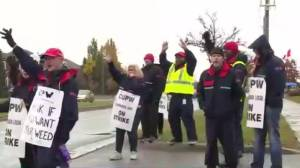 Ground rules laid out for striking Canada Post workers (02:11)