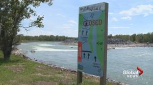 Close call for 2 men rafting on Bow River in Calgary