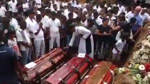 Sri Lanka begins burying its dead after attacks