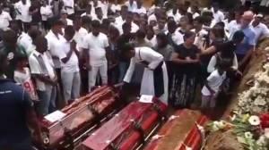 Sri Lanka begins burying its dead after attacks
