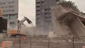 RAW VIDEO: Distracted construction worker experiences close call