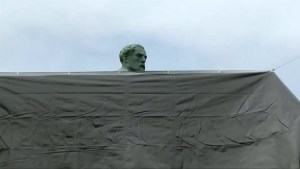 Charlottesville covers Confederate statues in black shrouds