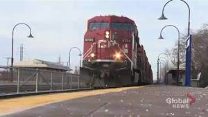 Teen injured after falling off moving train in Dorval (01:42)