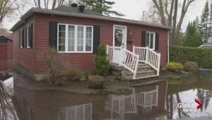 Quebec floods: 400 troops reinforcing Pierrefonds dike