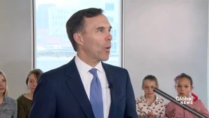 Morneau says Canadians should be proud of the new $10 bill