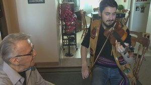 Better Winnipeg: Fiddling family keeping the tradition alive for Festival du Voyageur