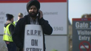Small businesses lay out concerns as Canada Post strike deadline looms