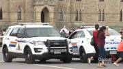 Play video: Police remain at Parliament Hill after man armed with knife arrested