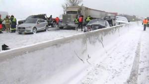OPP say over 70 vehicles involved in pile-up on Hwy. 400 near Barrie (01:05)