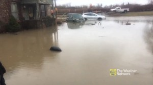 Brantford flooding evacuee describes the scene in the area with Weather Network's Mark Robinson