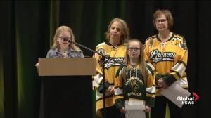 Kaleb Dahlgren's billet sisters deliver message remembering the teammates he lost